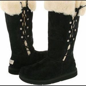 UGG black suede boots in EUC